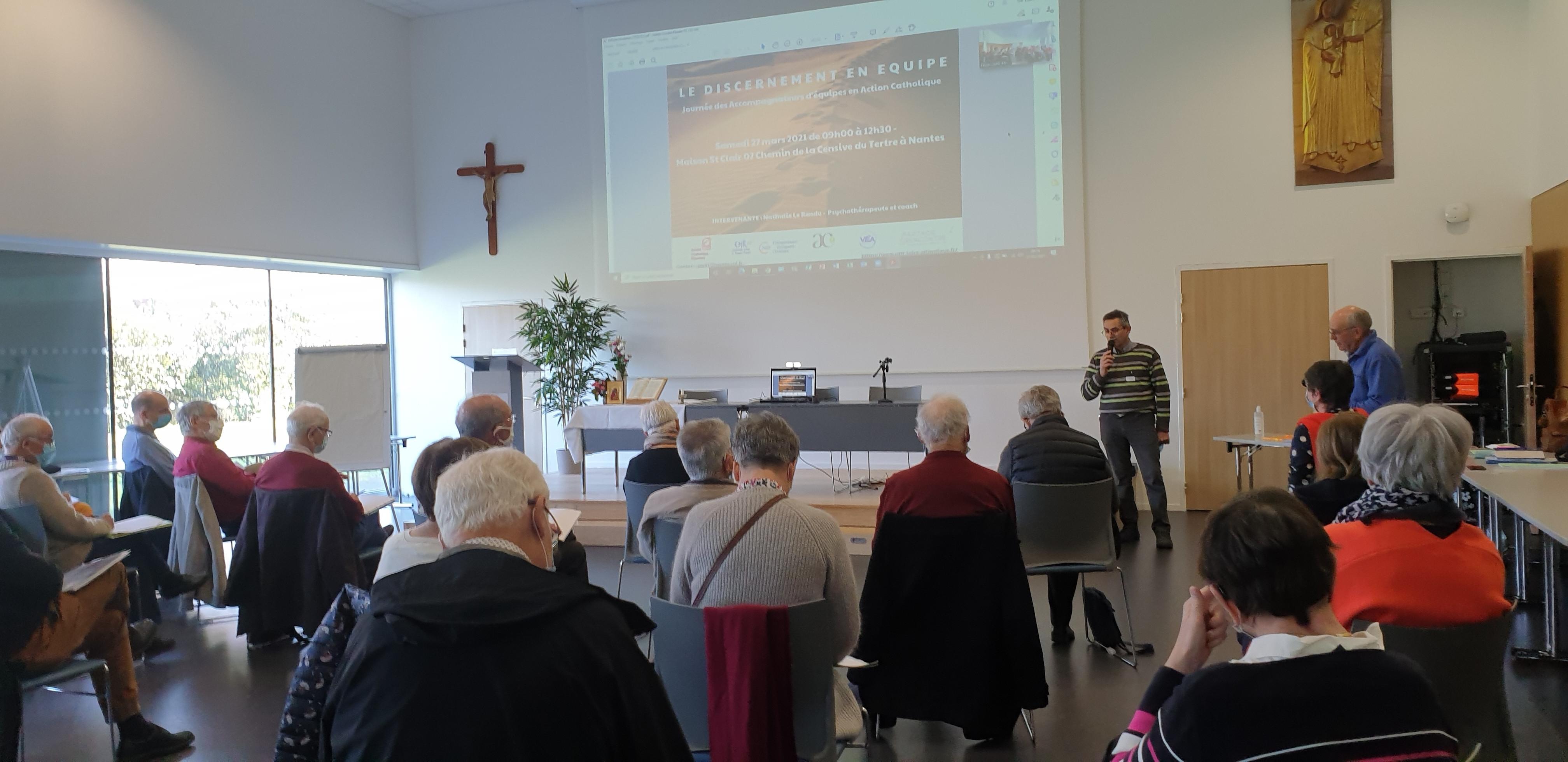 Lancement par Jacky (CMR) et Grégoire (VEEA).