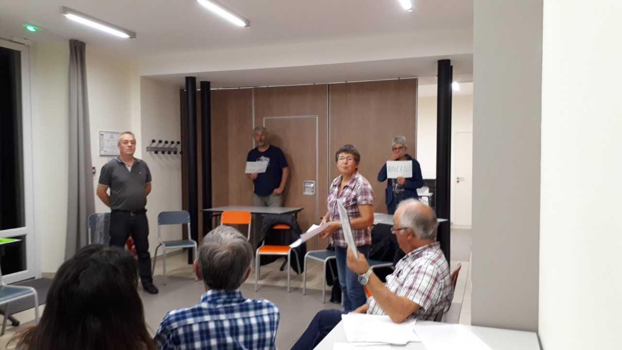 Des membres du CMR ont invitédes personnes, à la rencontre du mouvement.12/10/2018.